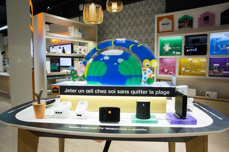 Orange ouvre sa première boutique Smart Store en France