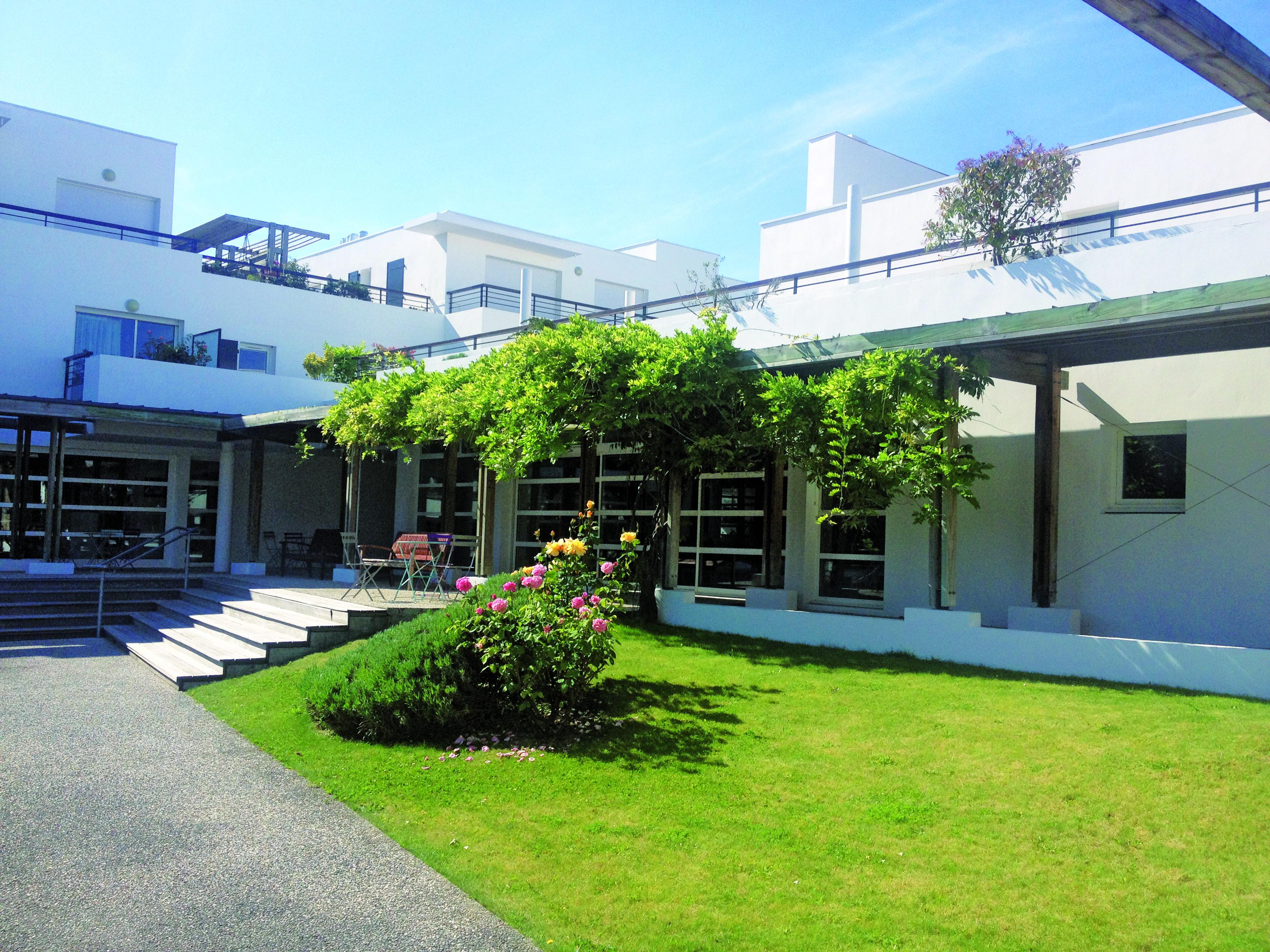 R sidence services seniors villavie villa royale 17000 for Villa royale